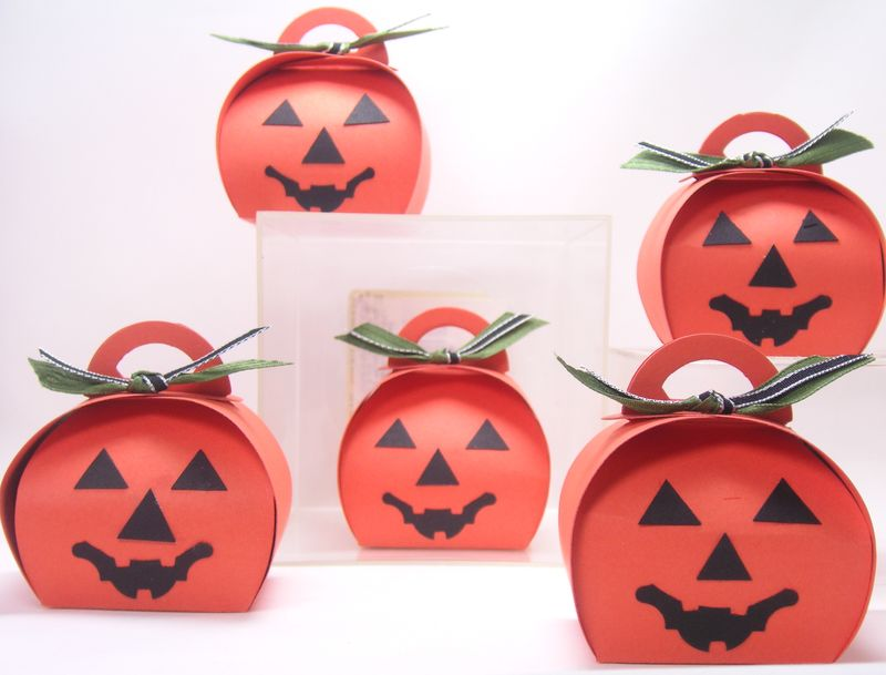Pumpkin Curvy Keepsake